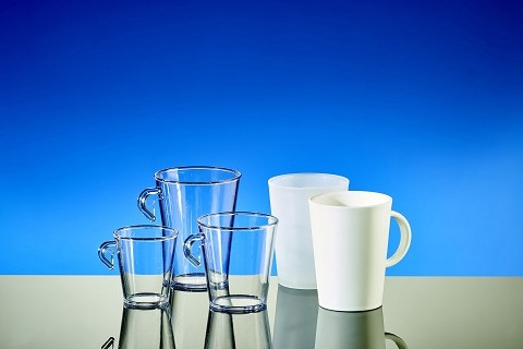 Plastic glasses for coffee & tea